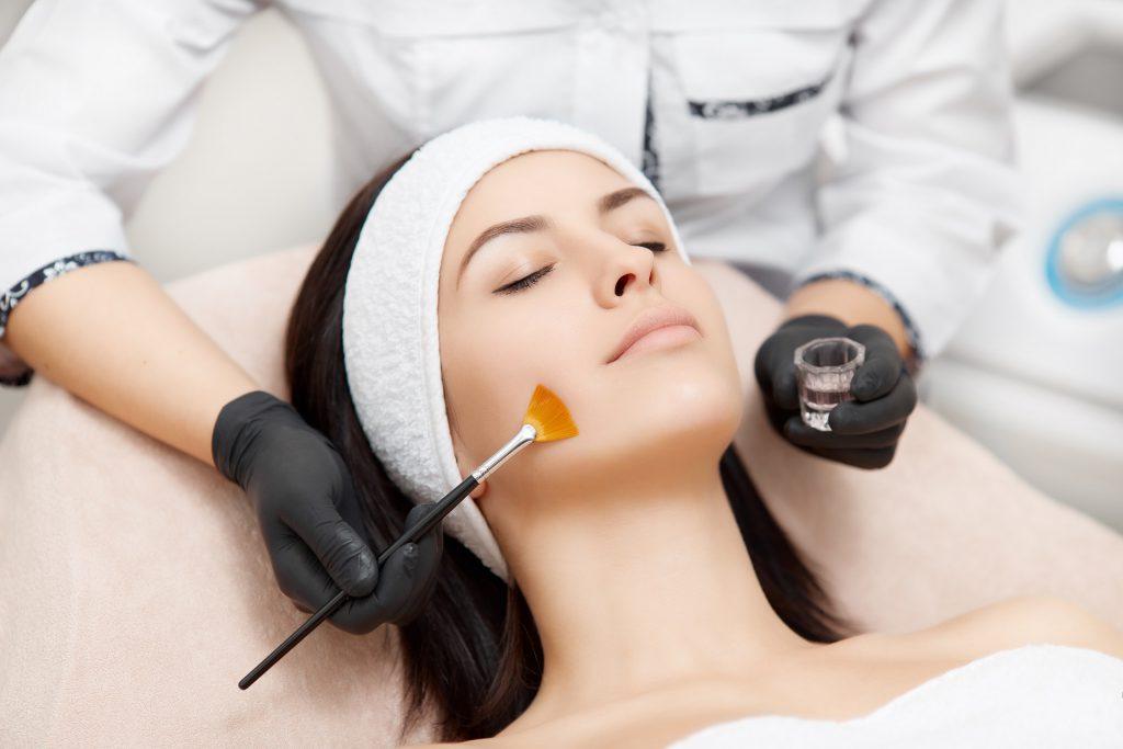 Zabieg kosmetologiczny -50% lub za darmo